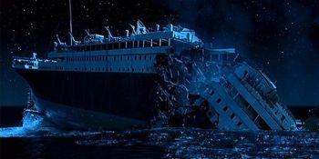 氷山を回避するための指示が30秒早ければ船は沈まなかった
