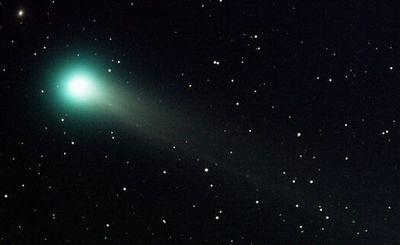 アルコールをまき散らす彗星がある
