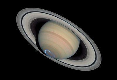 土星の輪は光る