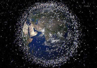 地球を漂う宇宙ゴミは100万個