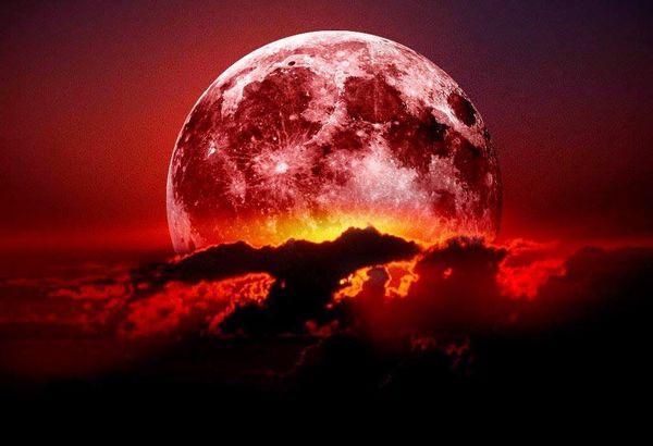 2018年のストロベリームーンはいつ観れる?赤い月の画像と名前の由来