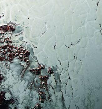 冥王星の氷の火山