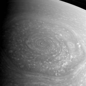 土星の六角形の雲