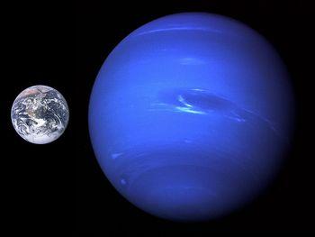 海王星の大きさ