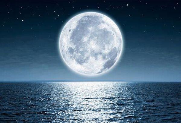 月の謎やアポロ計画!身近な月の奇妙な真実16