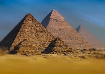 ピラミッドの建設グループ説