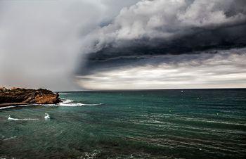 巨大雲による大雨説