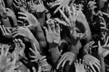 彷徨う死者の群れ