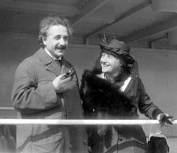 アインシュタインの再婚の相手はいとこ