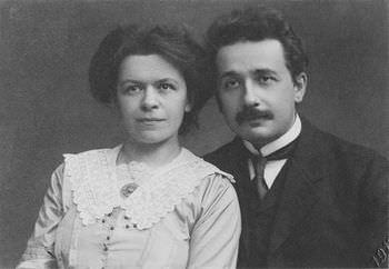 アインシュタインは妻と大学で出会った