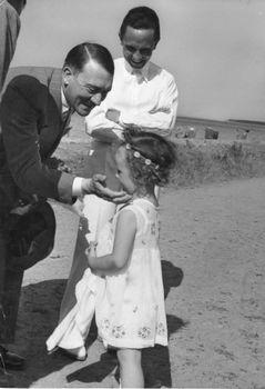 ヒトラーは女性や子どもには優しかった