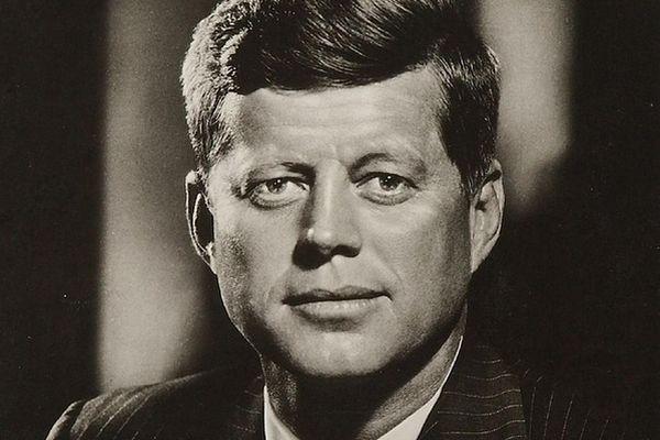 ケネディ大統領の逸話と暗殺の真相!奇妙過ぎるリンカーンとの一致も